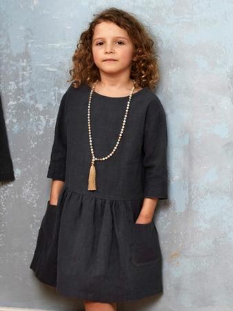 Платье с накладными карманами для девочки