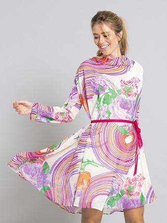 Платье с вырезом-качели