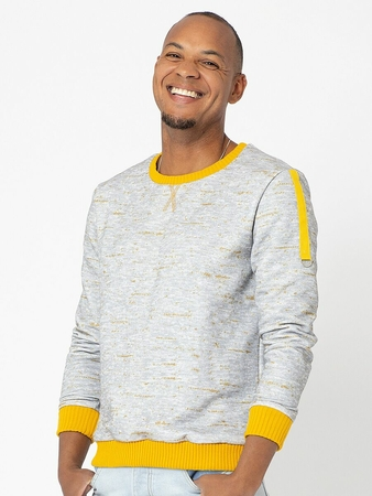 Пуловер с оригинальными деталями