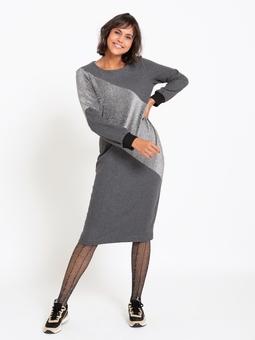 Платье со смещенными плечевыми и боковыми швами