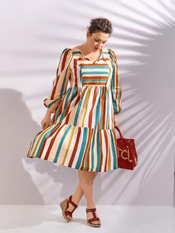 Платье с ярусной юбкой
