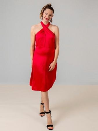 Платье с горловиной halter