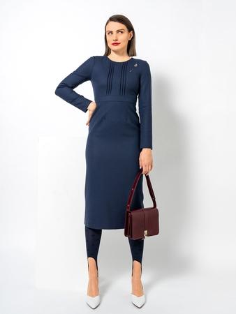 Модель платья-футляр с втачным поясом
