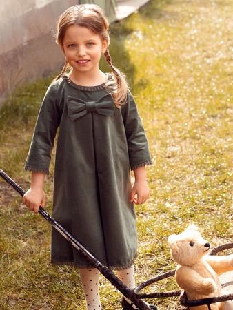 Модель платья расклешенного силуэта
