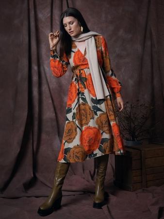 Модель платья с эффектом запаха