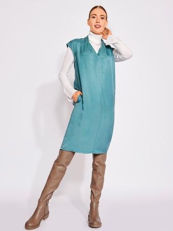 Модель платья с V-вырезом
