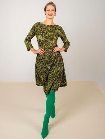 Платье с полукруглой вставкой