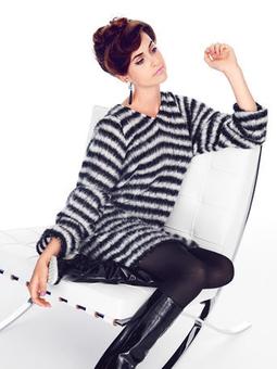 Пуловер с V-образным вырезом горловины