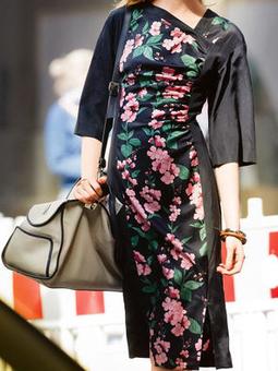 Платье приталенного силуэта