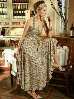 Платье с одной бретелью вокруг шеи