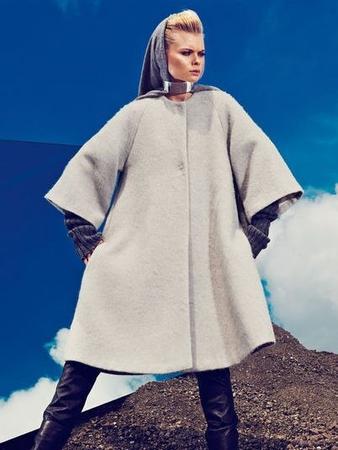 Пальто трапецивидной формы