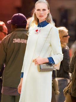 Пальто с круглым вырезом горловины
