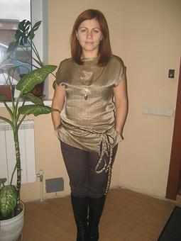 Работа с названием Шелковая блуза