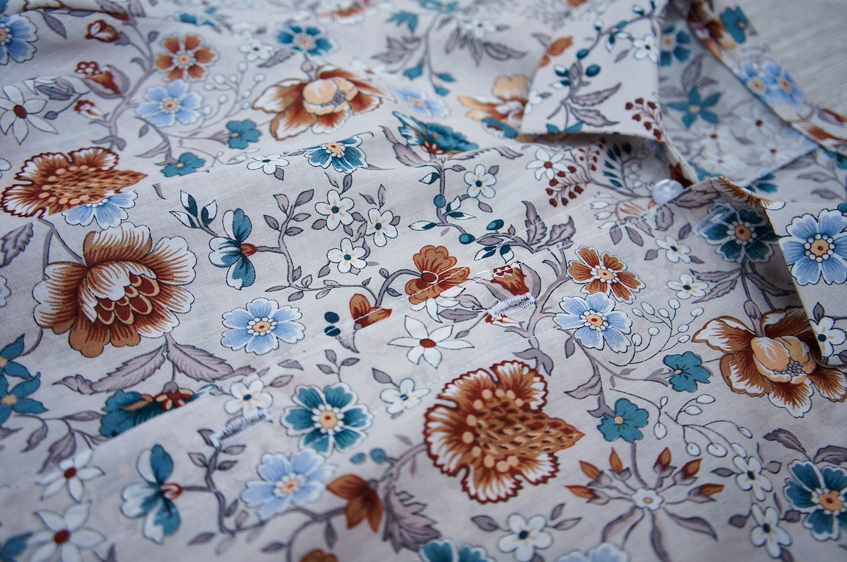 Блузка сцветами