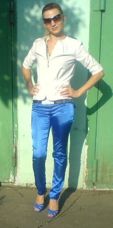 синие брючки ижакет