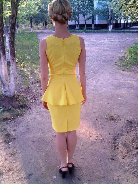 Платье-футляр...с баской