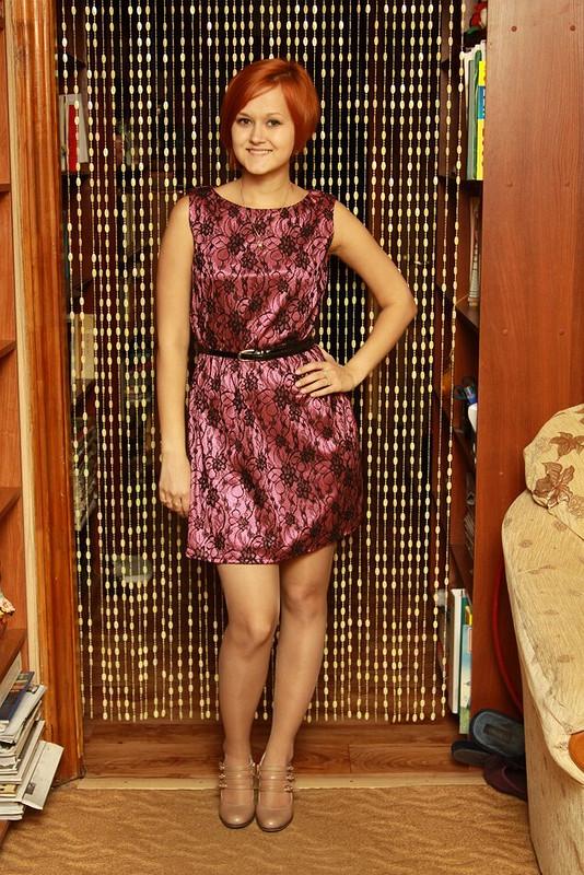трикотажное платье сгипюром