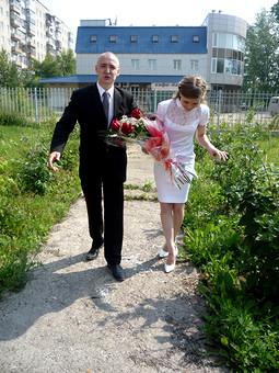 Работа с названием Мое скромненькое свадебное платье