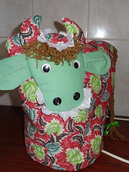 Работа с названием Грелка на чайник-Корова