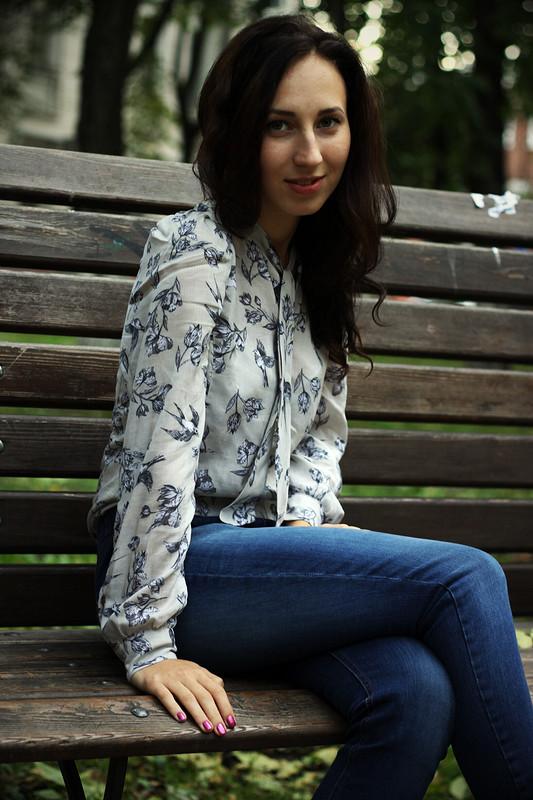 Блузка сласточками