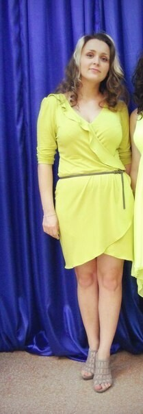 Фисташковое платье