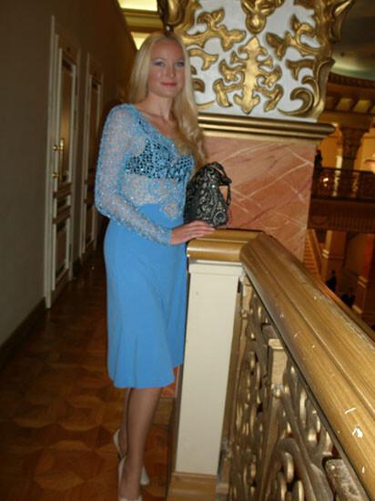 голубое платье от Юлия