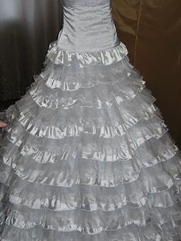 Работа с названием Свадебное платье для подруги....