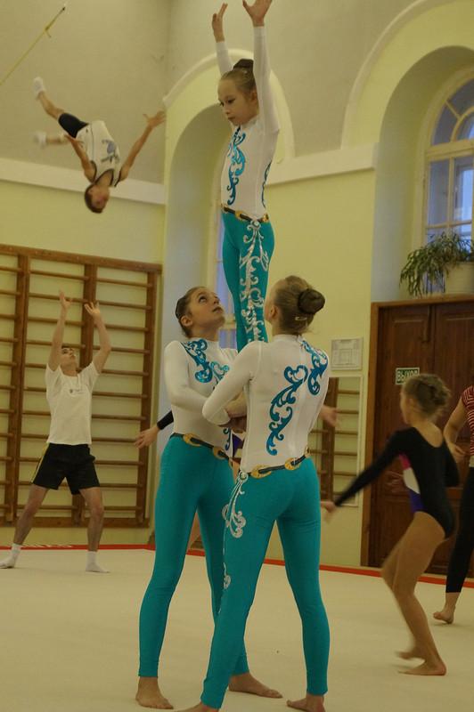 Костюмы дляакробатики от Luba2012