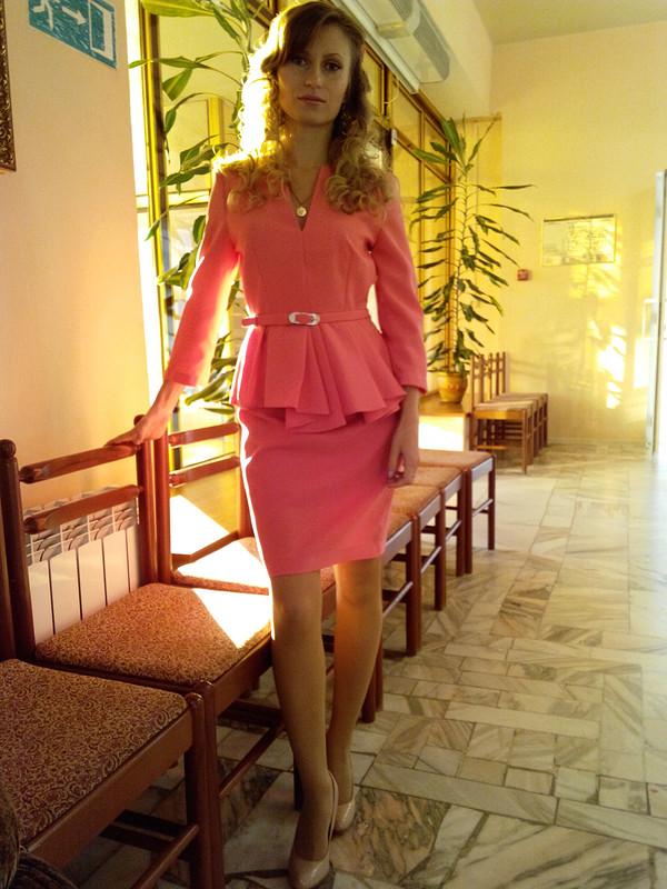 Розовый костюмчик
