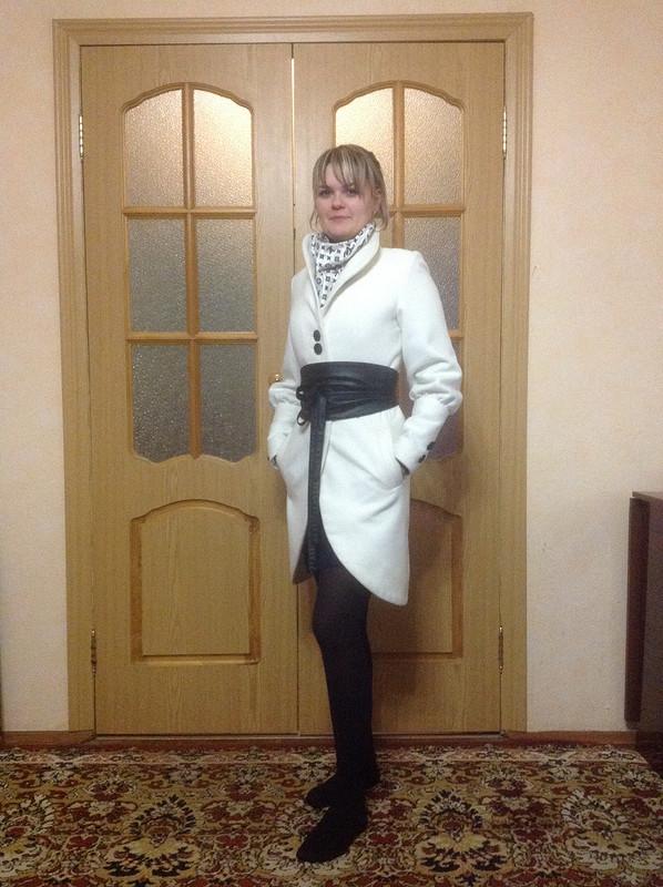 Белое пальто от VolgaSvet
