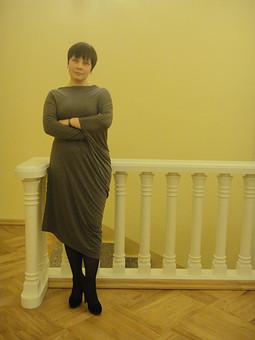 Работа с названием Давно знакомое платье