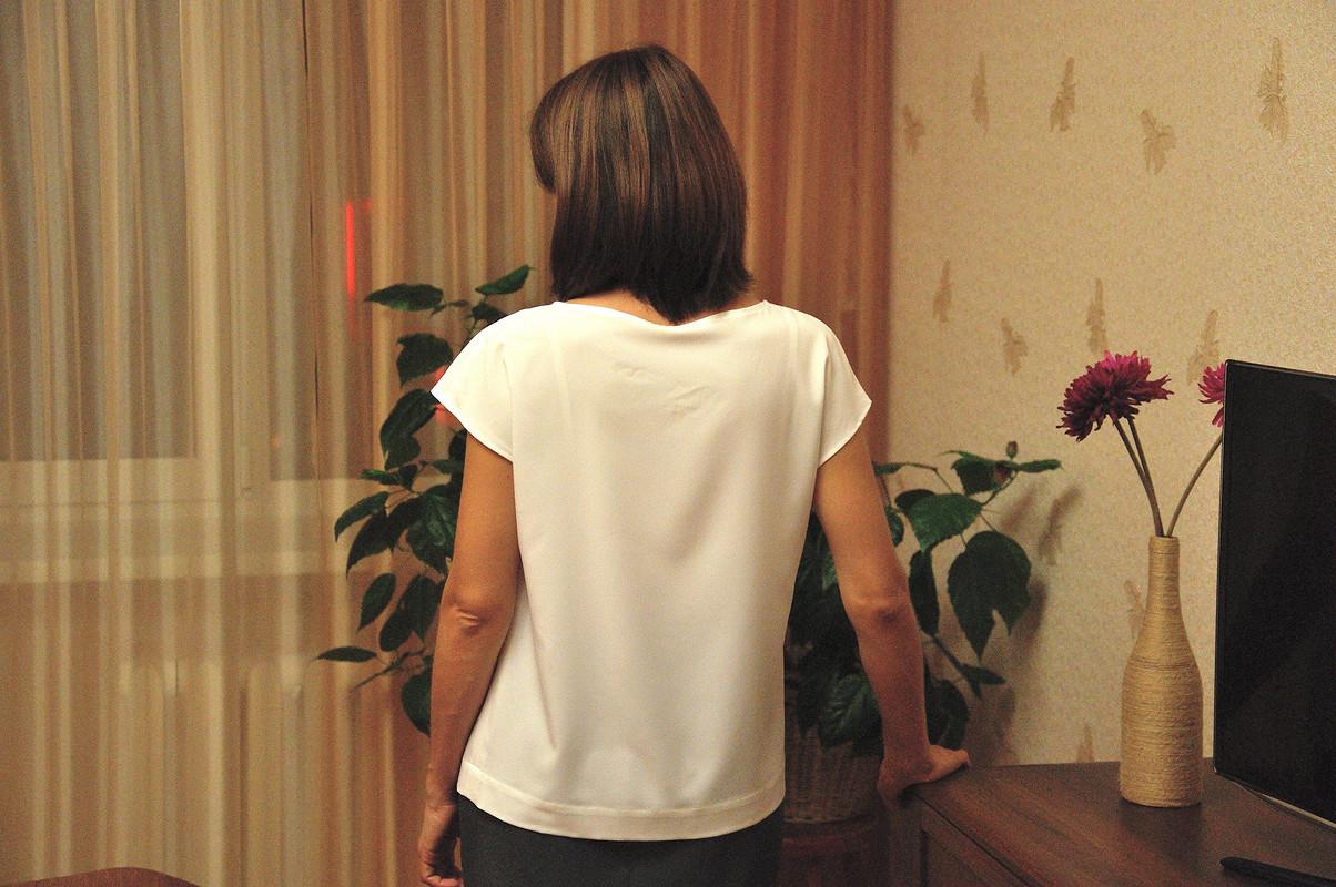 Простая беленькая блузка