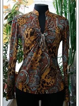 Работа с названием Любимая трикотажная блузка