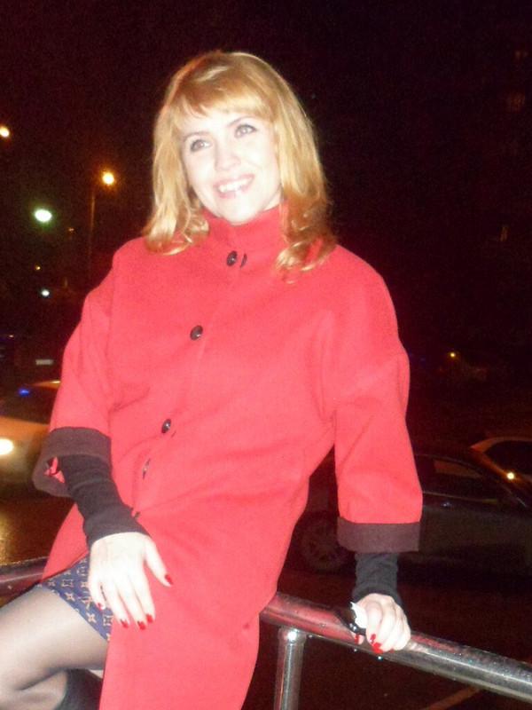 Красное пальто от Марина Никишина