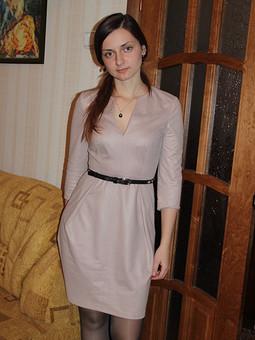 Работа с названием Платье на годовщину