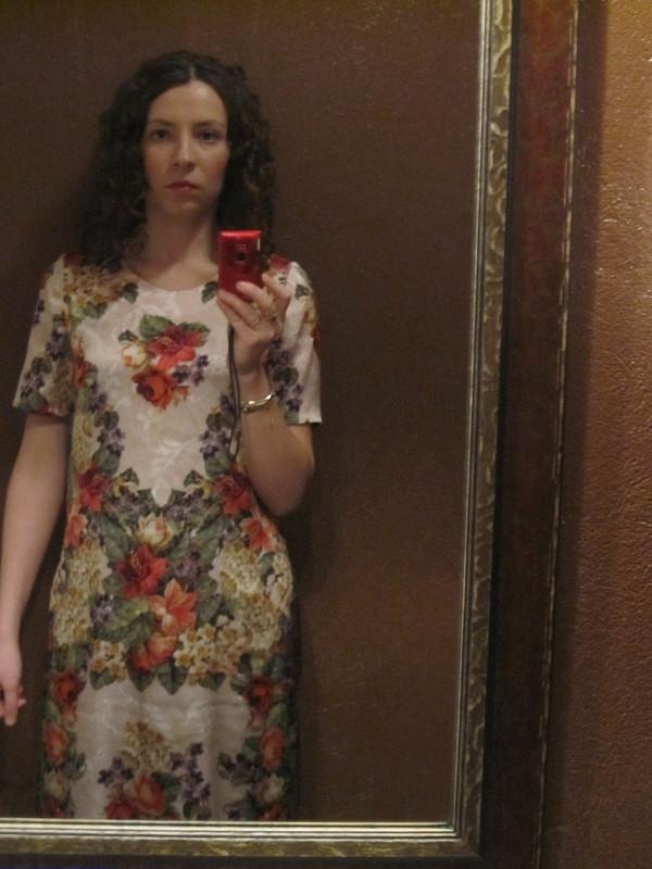 платье симитацией вышивки икружева