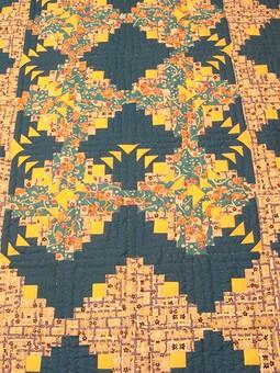 Работа с названием мое первое одеяло  в технике пэчворк