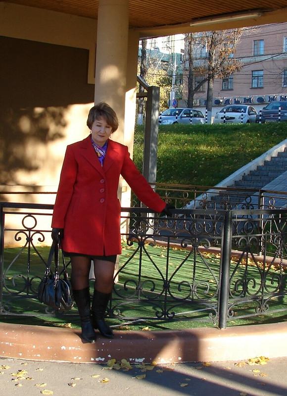 красное революционное пальто от ЛисийХвост