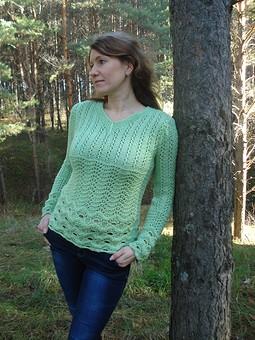 Работа с названием Ажурный пуловер цвета мяты