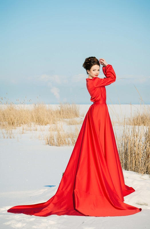 Бесконечное красное платье