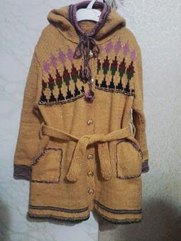 Работа с названием Вязаное пальто