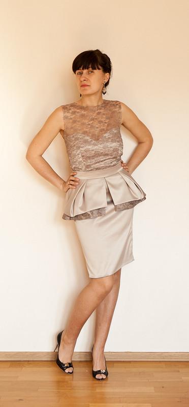 Платье сбаской