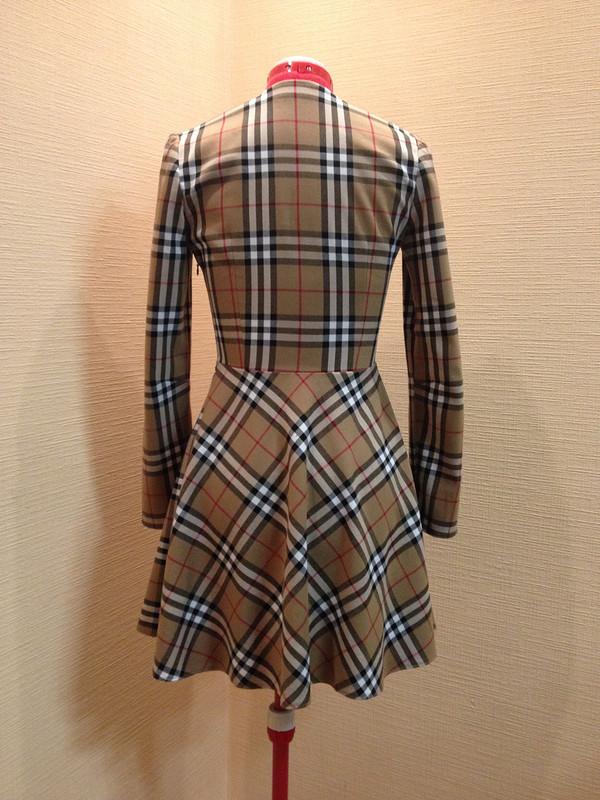 Платье вклетку а-ля «Burberry»)))