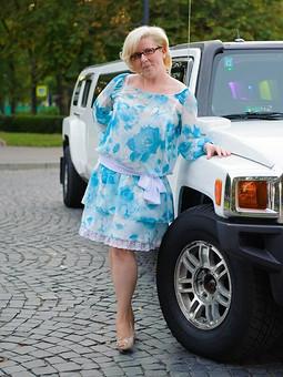 Работа с названием Платье на юбилей )))