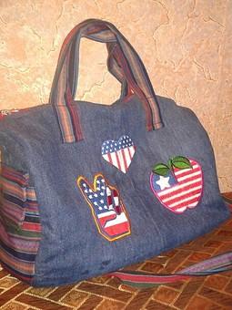 Работа с названием Джинсовая сумка для дочки.