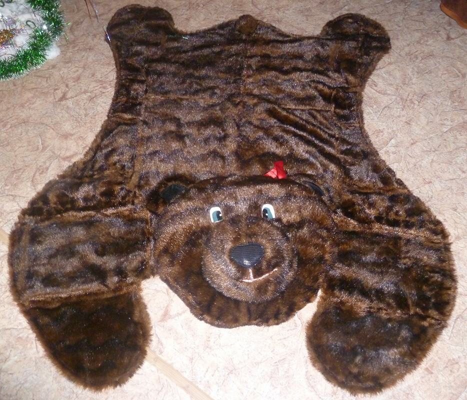 Детский коврик-медведь.