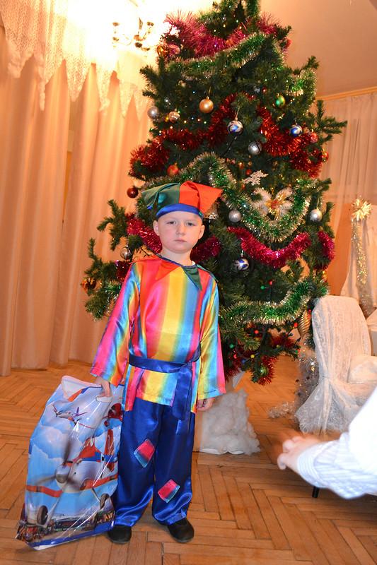 Новогодний костюмчик Петрушки.