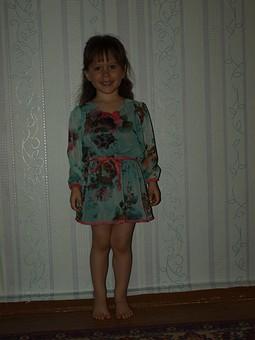 Работа с названием Платье для дочери