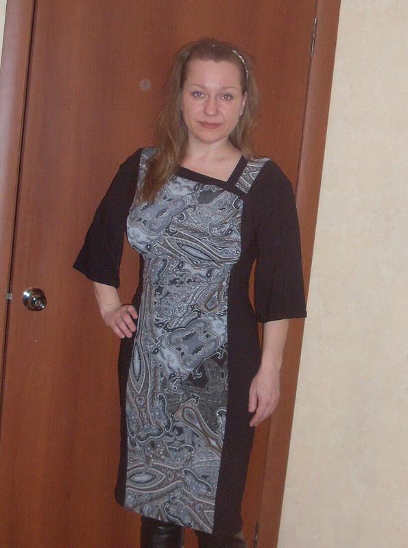 платье сассиметричным вырезом горловины от ЮлияПсков