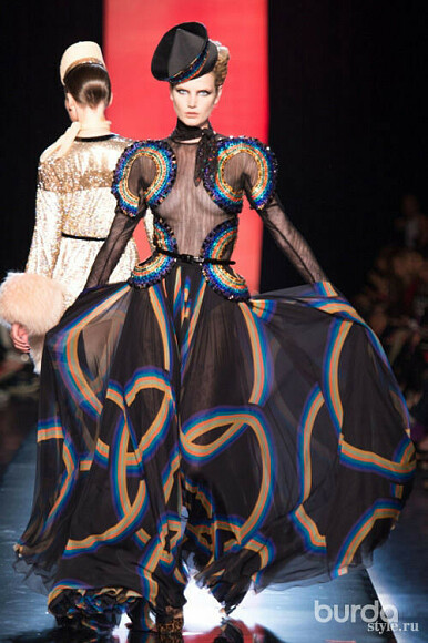 Гламурные наряды вновой коллекции Jean Paul Gaultier